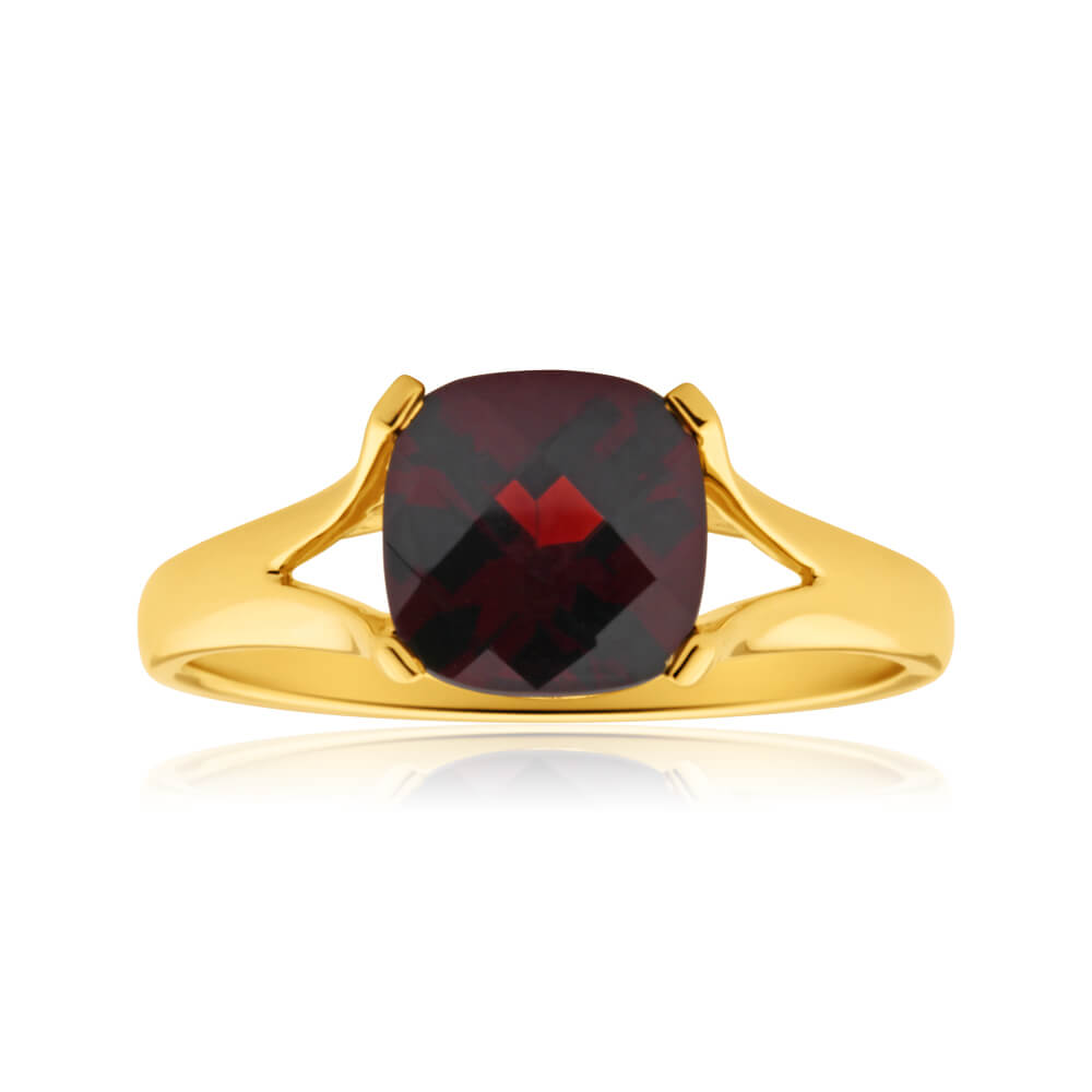 9ct Yellow Gold 8mm Cushion Cut Garnet Ring