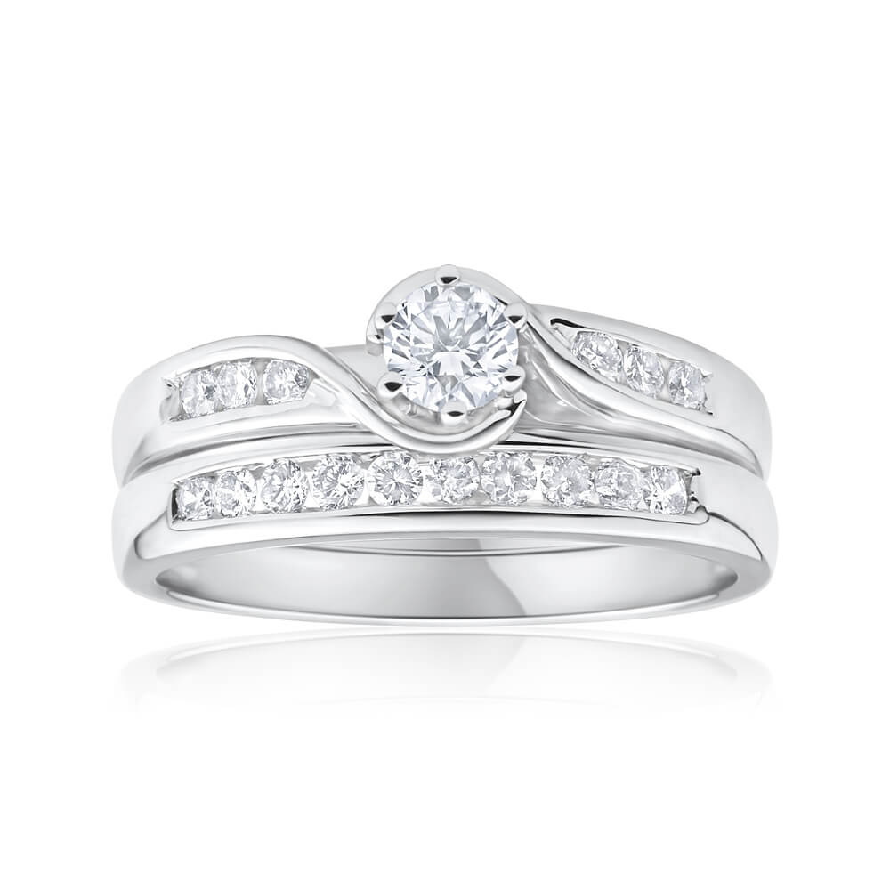 9ct White Gold 2 Ring Bridal Set With 16 Diamonds Totalling 0.5 Carats
