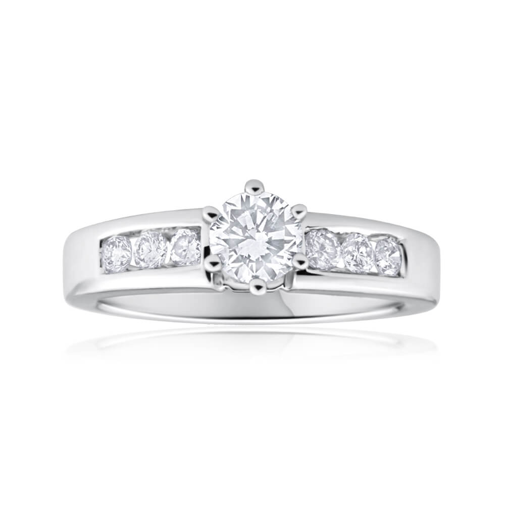 18ct White Gold Ring With 0.7 Carats Of Diamonds