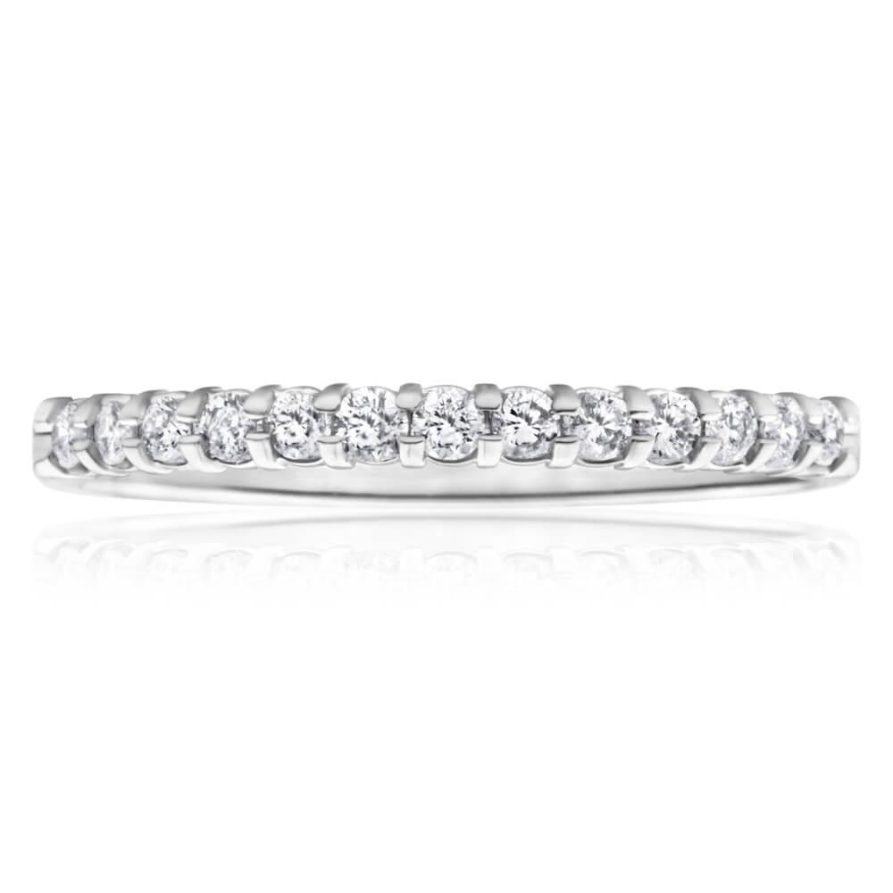 9ct White Gold Diamond Ring Set With 13 Diamonds