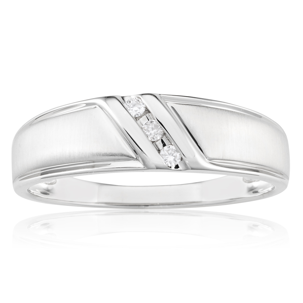 9ct White Gold Mens Ring With 0.5 Carat Of Diamonds