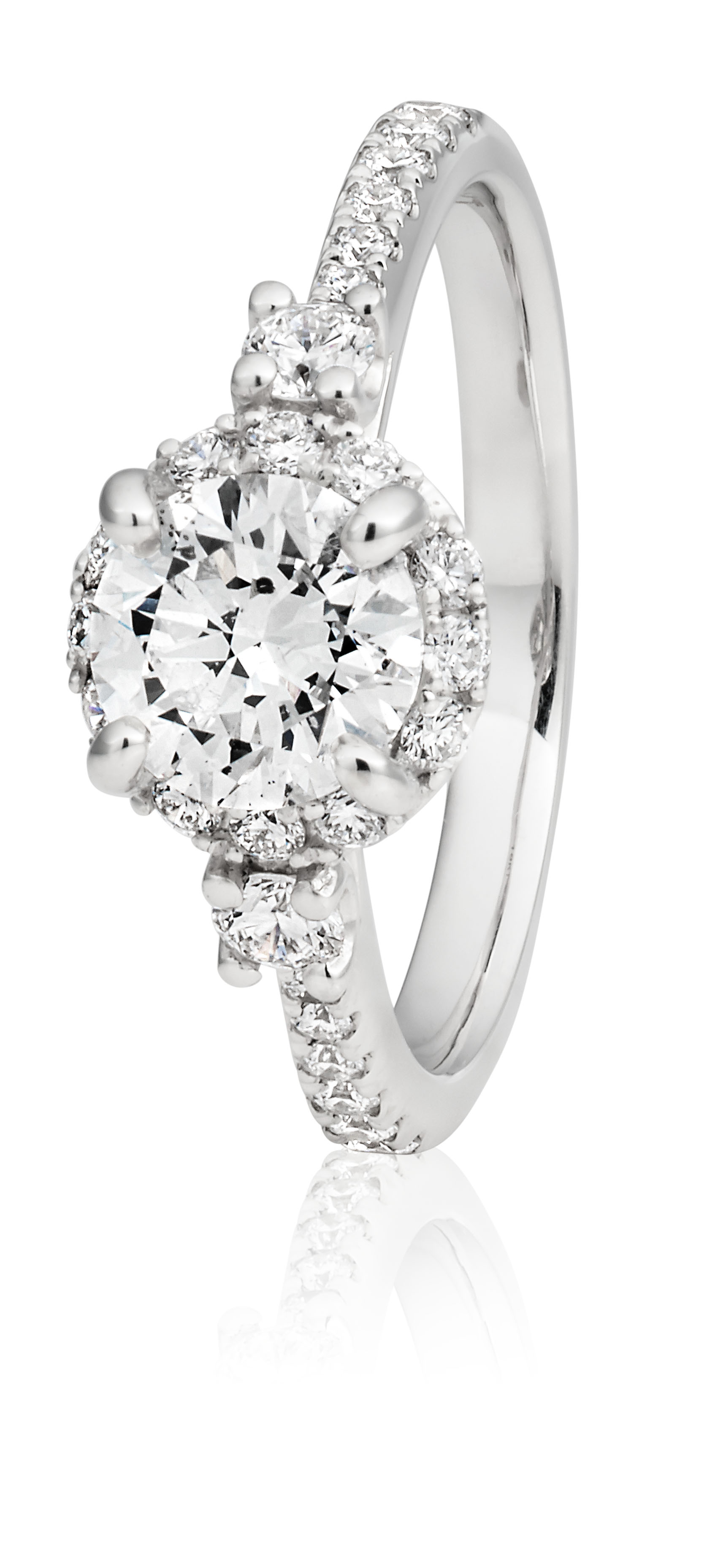 18ct White Gold Ring with 1.50 Carat of Diamonds