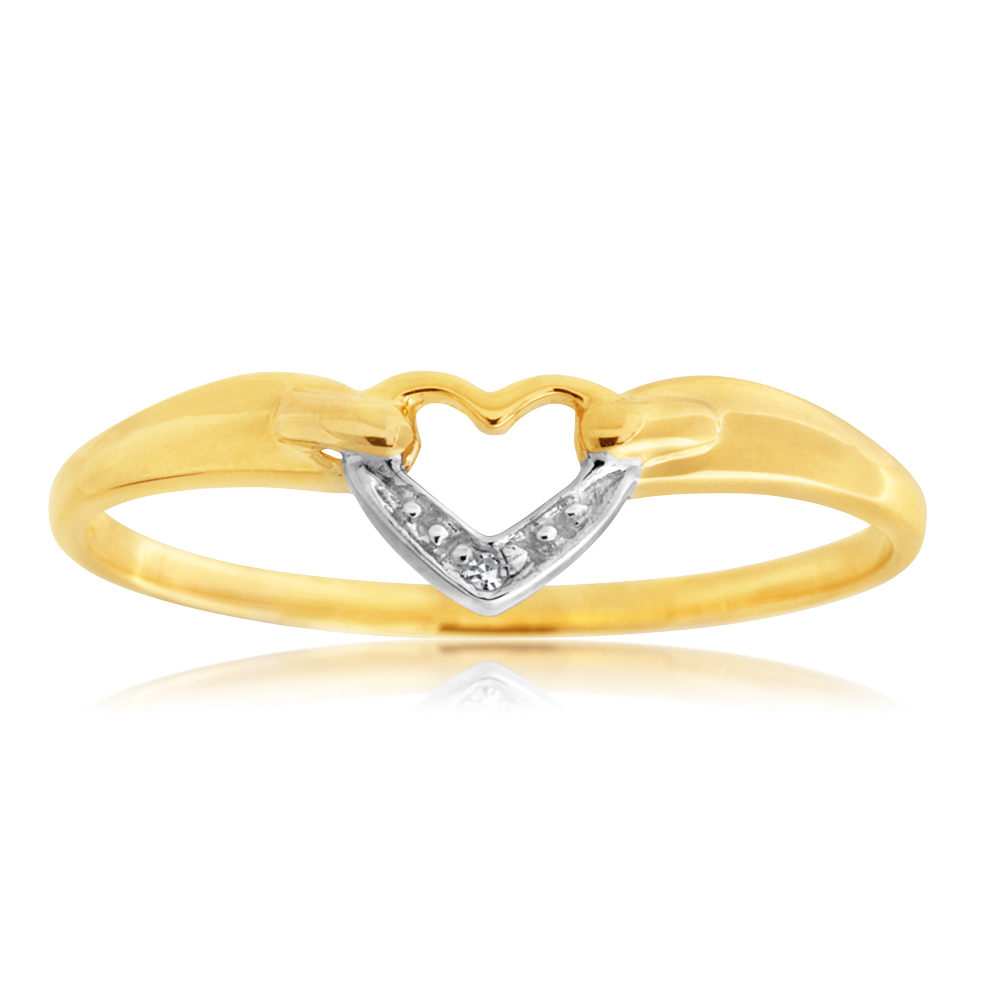 9ct Yellow Gold Diamond Heart Ring with 1 Brilliant Cut Diamond