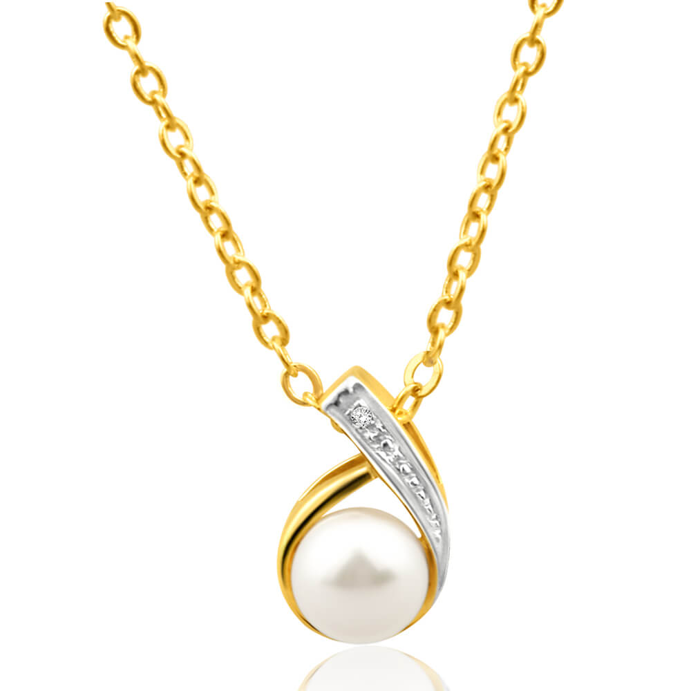 9ct Yellow Gold Gorgeous Diamond + Pearl Pendant