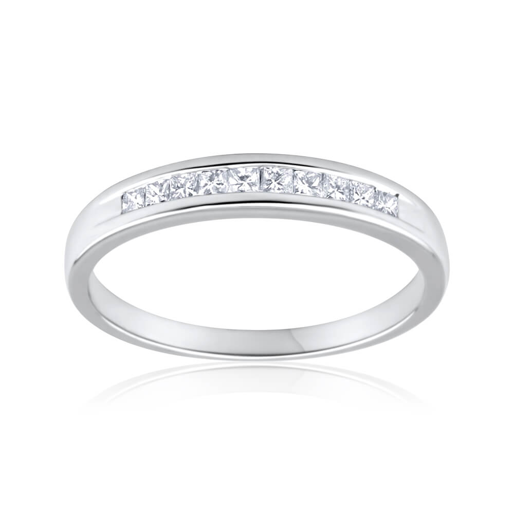 9ct White Gold Diamond Ring Set With 10 Princess Cut Diamonds