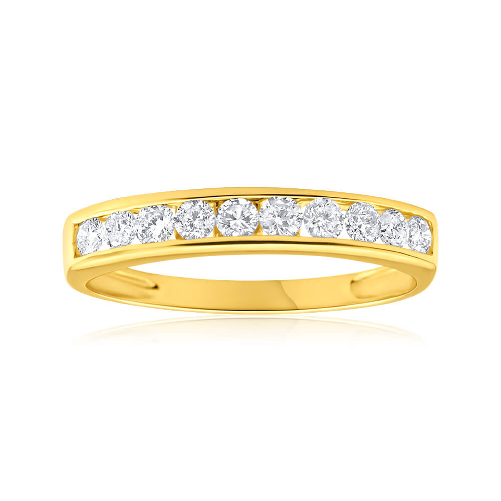9ct Yellow Gold Diamond Ring Set with 10 Brilliant Cut Diamonds