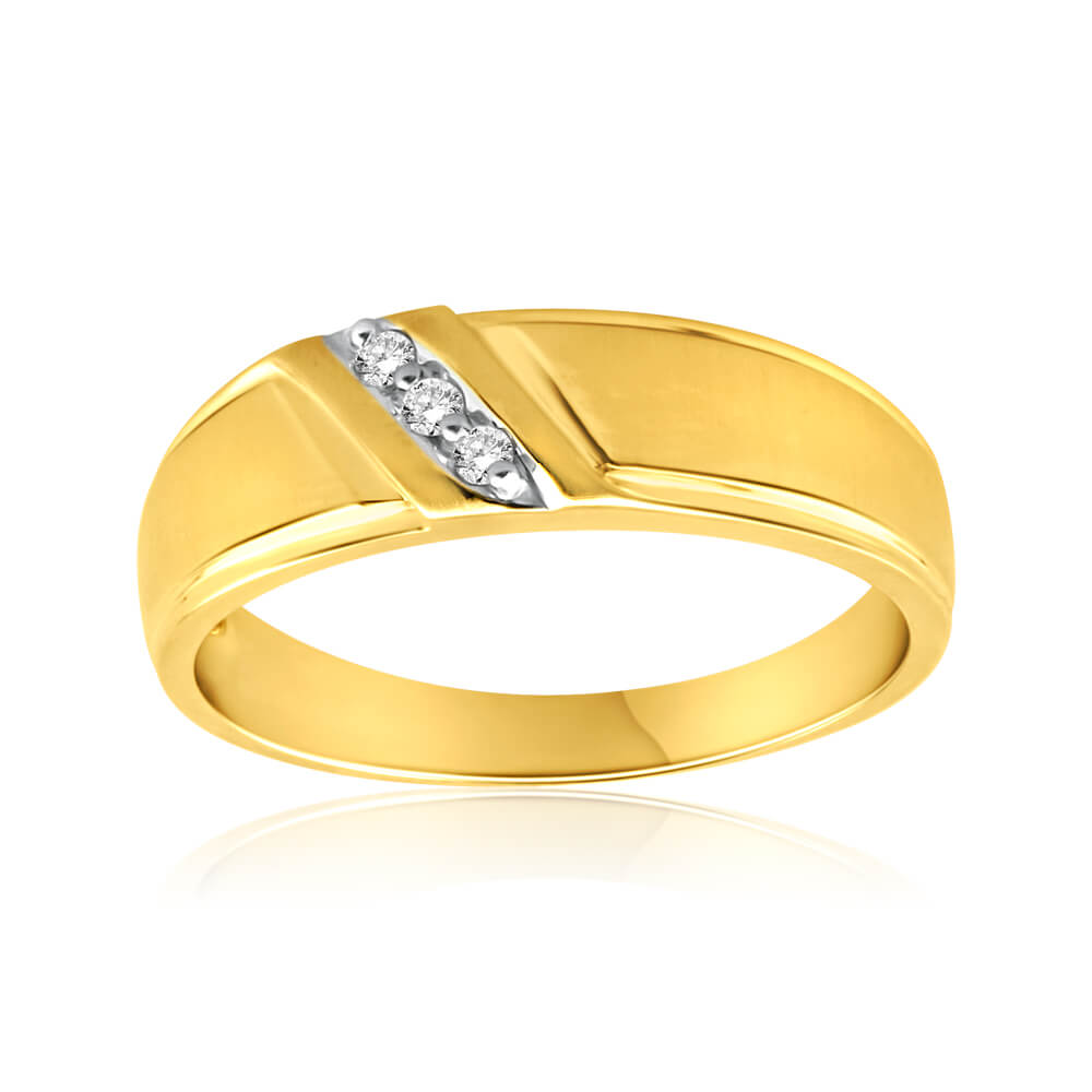 9ct Yellow Gold Ring with 3 Diamonds