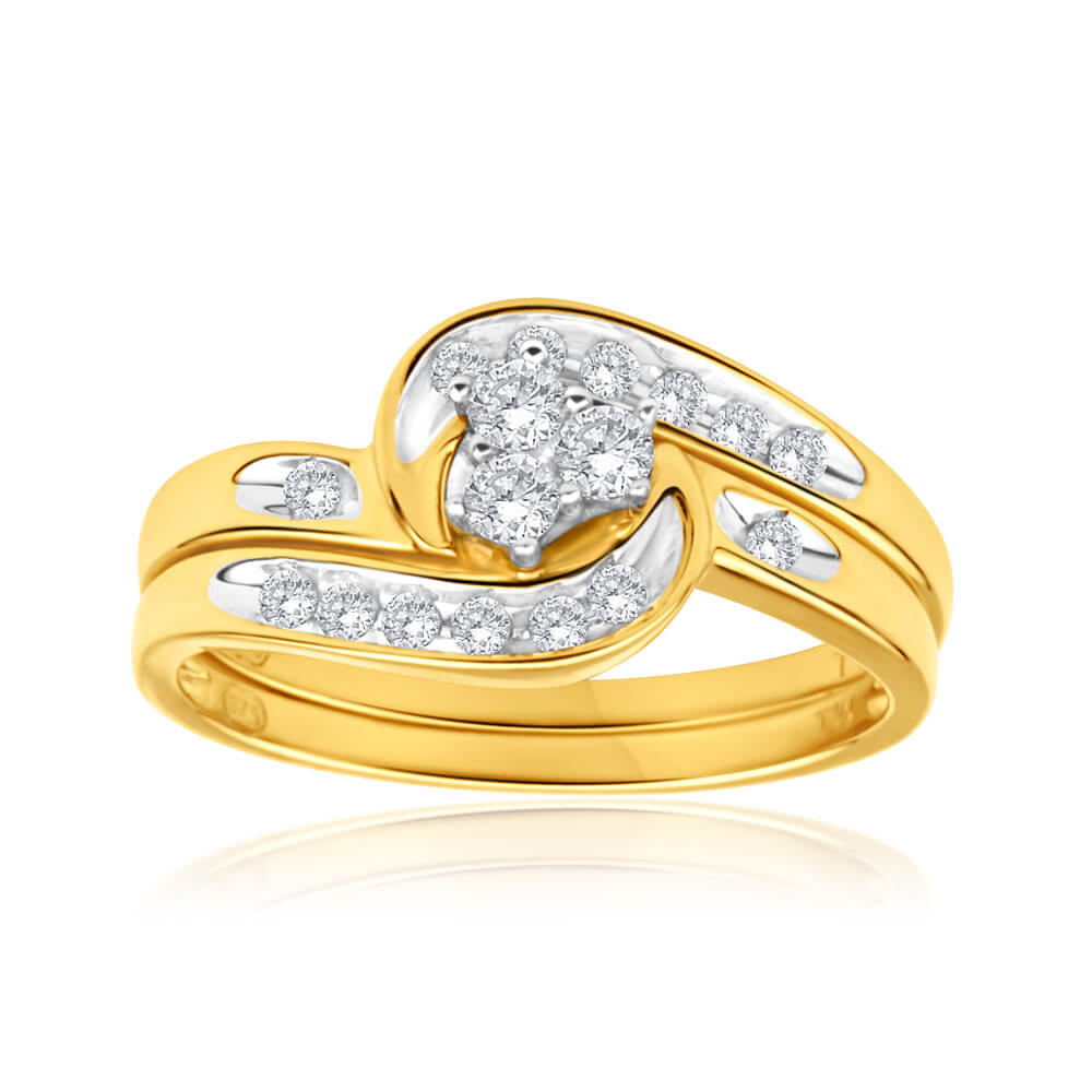 9ct Yellow Gold 2 Ring Bridal Set With 0.25 Carats Of Light Champagne Diamonds
