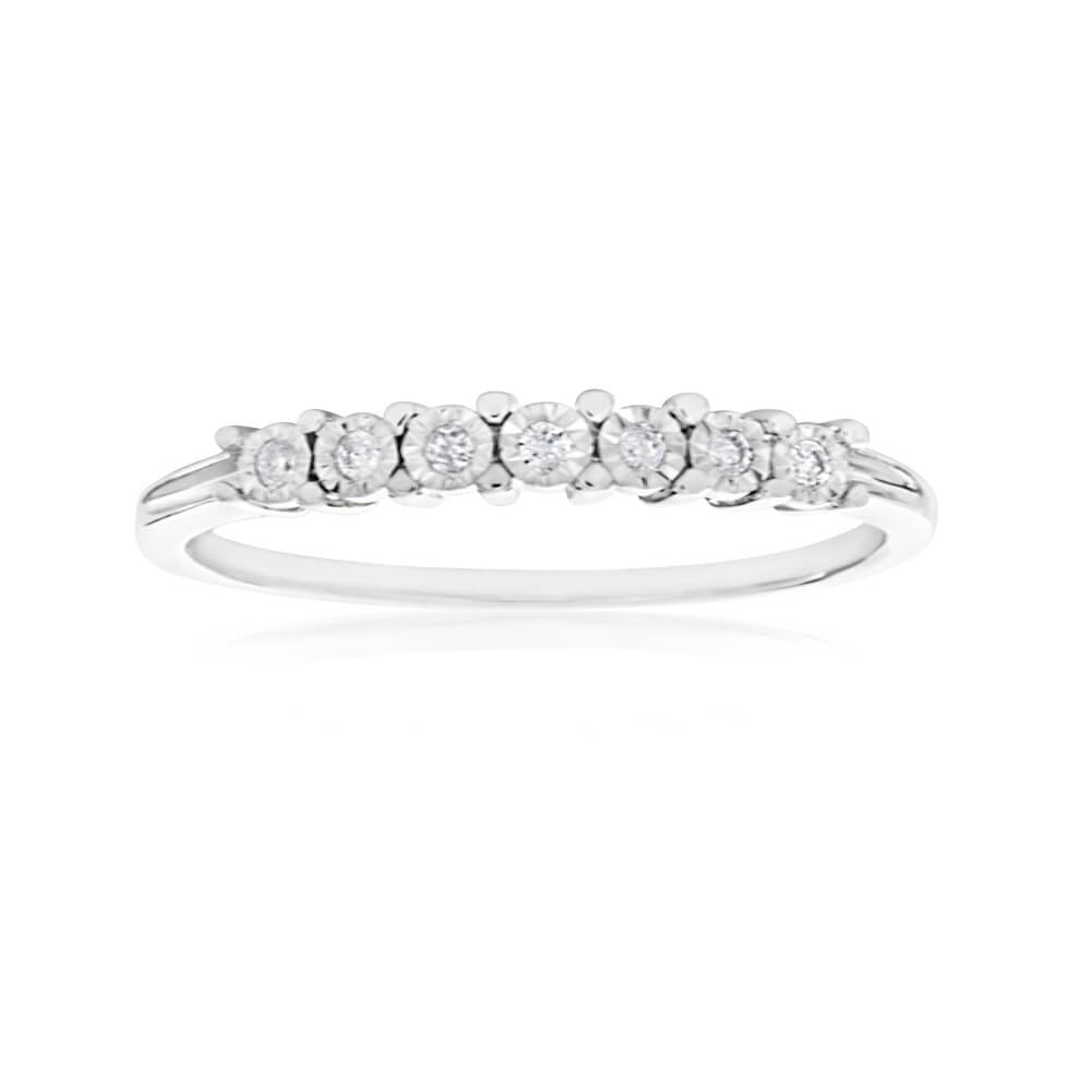 9ct White Gold Diamond Ring Set With 7 Brilliant Cut Diamonds