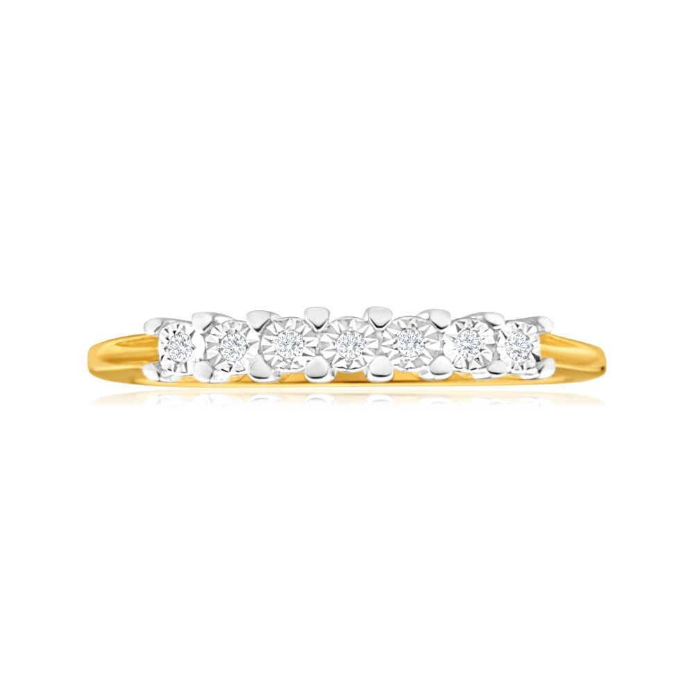9ct Yellow Gold Diamond Ring Set With 7 Stunning Diamonds