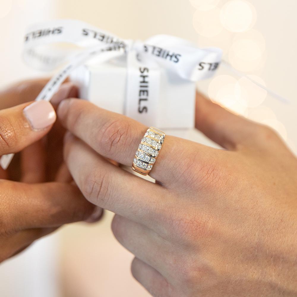 9ct Yellow Gold Diamond Ring Set with 20 Stunning Brilliant Diamonds