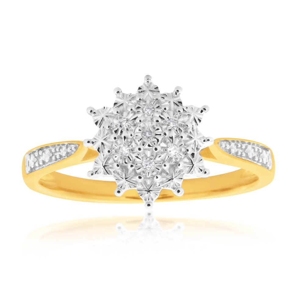 9ct Yellow Gold Diamond Ring Set With 7 Round Diamonds