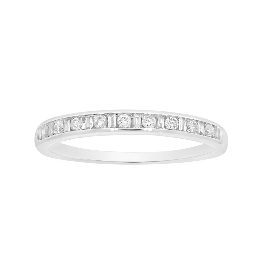 9ct White Gold Ring with 9  Brilliant Diamonds and 10 Baguette Diamonds