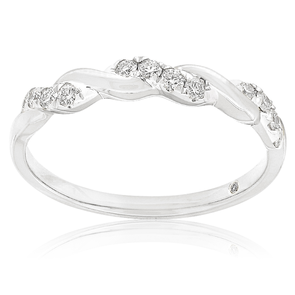 Flawless Ring with 0.15 Carat TW of Diamond in 18ct Yellow & White Gold