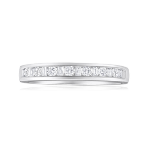 18ct White Gold Ring With 0.3 Carats Of Mixed Cut Diamonds