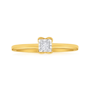 9ct Yellow Gold Solitaire Ring With 0.1 Carat 4 Claw Set Diamond