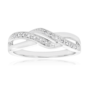 9ct White Gold Diamond Ring Set With 14 Brilliant Diamonds