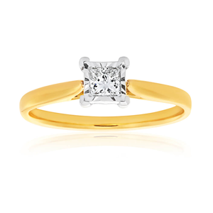 9ct Yellow and White Gold Ring with 15 Points of Diamonds