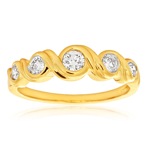 9ct Yellow Gold Diamond Ring Set With 5 Round Diamonds