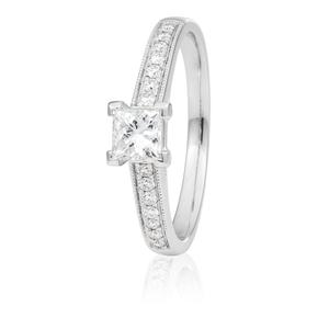 18ct White Gold 0.65 Carat Diamond Ring with 1/2 Carat GI SI Certified Centre Diamond