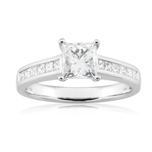 18ct White Gold 1.30 Carat Diamond Solitaire with 1.00 Carat Certified Centre Diamond