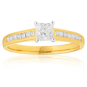 18ct Yellow Gold Ring With 0.75 Carats Of Diamonds Set with 14 Princess Cut Diamonds